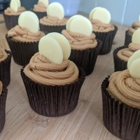 LOTUS BISCOFF & WHITE CHOCOLATE CUPCAKES